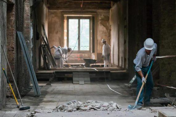 operai-ristrutturazione-476994